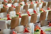 banquet-453799_400