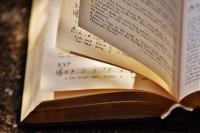 book-1739126_400